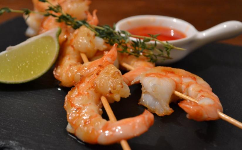 Quem tem alergia ao camarão pode comê-lo sem casca?