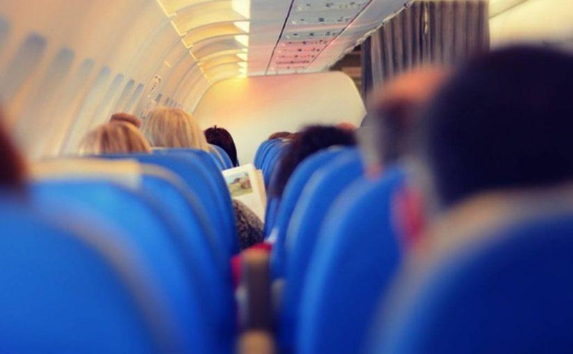 Viagem de avião pode apresentar riscos para quem tem alergia alimentar!