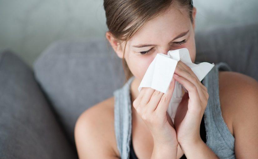 Por que ambientes úmidos causam rinite alérgica?