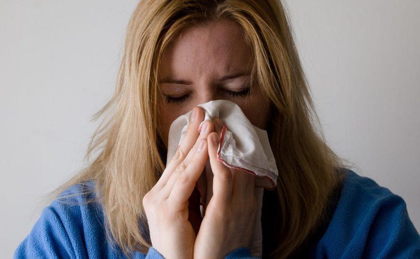 7 sinais que podem indicar uma crise alérgica